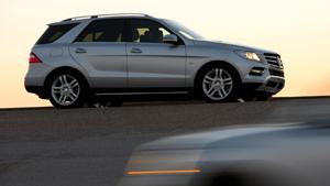 Улучшенный Mercedes Benz M-Class сдал краш-тесты «на отлично» (видео)