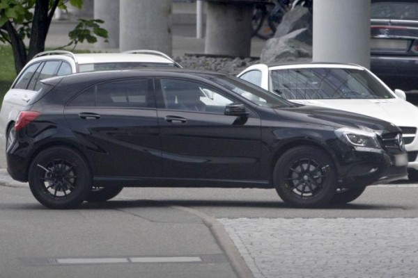 Концерн Mercedes начал тестирование внедорожника Mercedes-Benz GLA