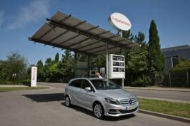 В Париже свой дебют отметил Mercedes-Benz B 200 Natural Gas Drive